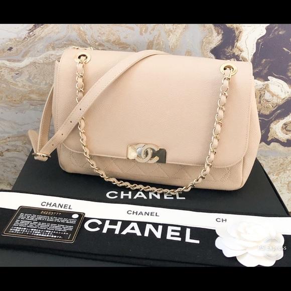e4db78e9eb1f CHANEL Bags   Cc Flap Caviar Leather Medium Shoulder Bag   Poshmark
